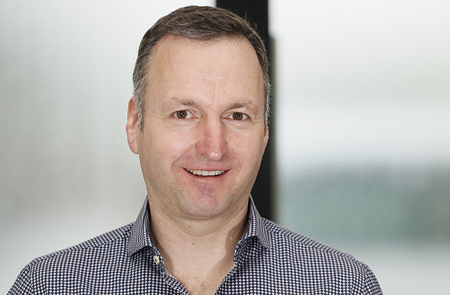 Dirk Helbach, Geschäftsführer